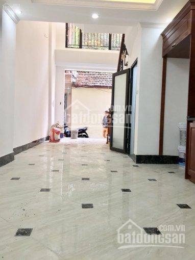 Bán gấp nhà 5 tầng 62m2 mặt đường Tân Triều mới giao Nguyễn Xiển, đường lớn, kinh doanh, cho thuê