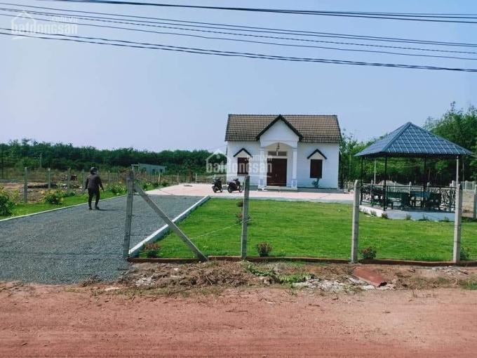 Nhà đất 20x40m 100m2 TC trên đường Cao Bá Quát, Chơn Thành, tặng kèm căn nhà đẹp giá đầu tư 178tr