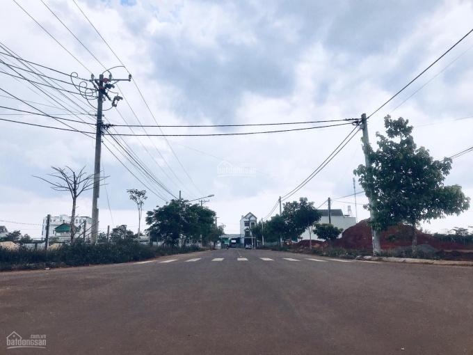 Bán gấp 2 lô đất mặt tiền đường Nguyễn Thái Bình, lộ giới 30m, SHR, 100% TC