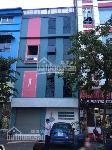 Cho thuê cả tòa nhà mặt phố Quan Hoa, Cầu Giấy, Hà Nội. DT 80m2 x 4 tầng mặt tiền 7m, Giá 30 triệu