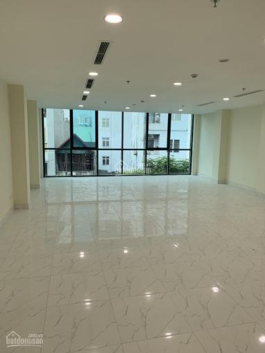Cần cho thuê sàn VP mặt phố Dịch Vọng Hậu, 150m2/sàn, giá thuê 22 triệu/sàn. 0985030081