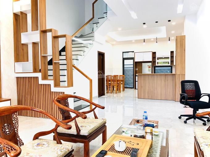 Cho thuê nhà hoàn thiện full nội thất đầy đủ vào ở ngay, giá thuê rất tốt 27tr, Lakeview City, Q.2