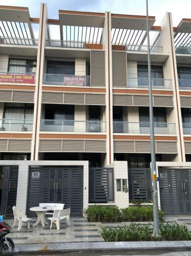 Cho thuê nhà giá 16tr/th khu đô thị Vạn Phúc - Bình Triệu Thủ Đức QL13 1 trệt + 4 lầu DTSD 450m2 ảnh 0