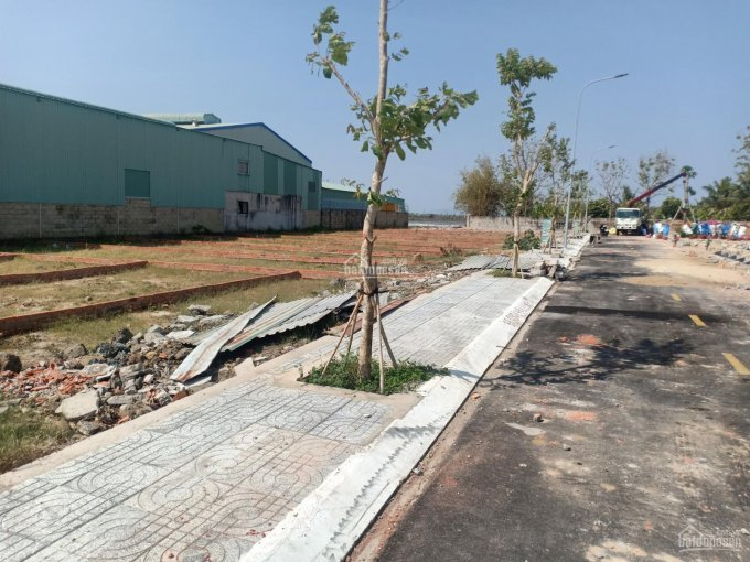Đi định cư cần bán gấp lô đất thị trấn Long Điền 120m2, mặt tiền Tỉnh Lộ 44A đường xuống Long Hải ảnh 0