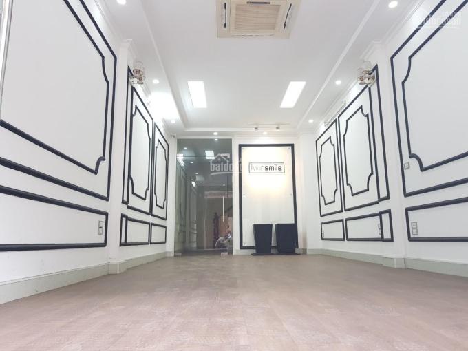 Cho thuê nhà phố Mễ Trì Thượng, diện tích 65m2 x 7T, mặt tiền 5m, thông sàn, có thang máy