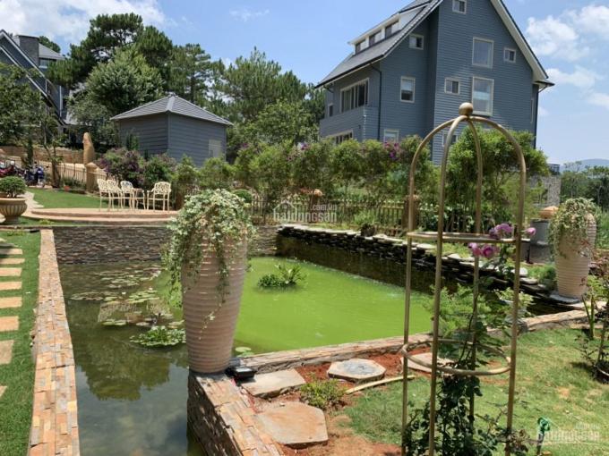 Bán biệt thự khu du lịch hồ Tuyền Lâm, DT 1500m2, lô góc 3 mặt tiền. LH 0915136505