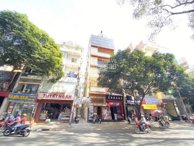 Cho thuê toà 122 Cao Thắng, P4, Q3, 8x18m, 7 tầng 800m2 có thang máy. Giá 205 triệu/th