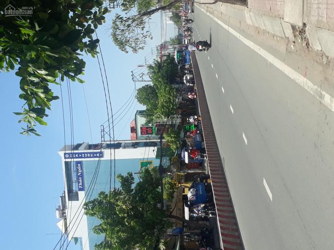 Cần bán nhà mặt tiền Huỳnh Tấn Phát, Q7, đầu tư tốt, DT 6x37m, 1 trệt 1 lầu
