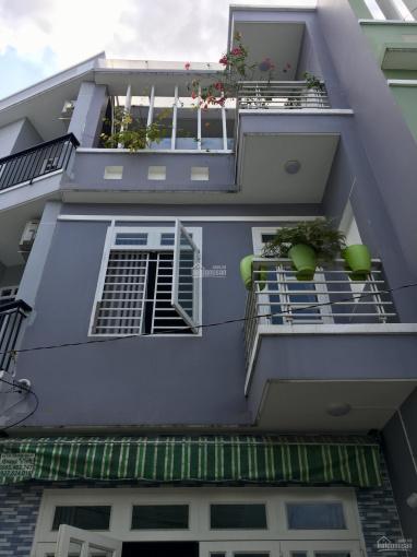 Bán nhà 2 lầu, giá 4,7 tỷ, đường Lê Văn Thịnh rẽ vào, Quận 2. LH: 0936666466