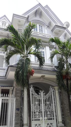 Biệt thự siêu đẹp Nguyễn Văn Trỗi (PN), 7.5x19m, hầm 4 lầu nội thất cao cấp giá chỉ 35 tỷ