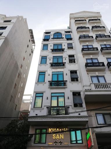 Cho thuê khách sạn 2*, 6 lầu, 30 phòng, đường Bình Phú, Phường 10, Quận 6, giá: 120 triệu/1th
