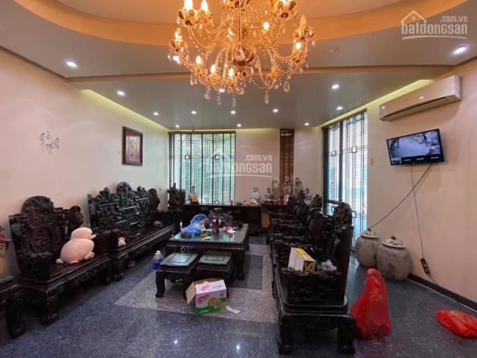 Chính chủ bán nhà MP Ngô Gia Tự 65m2, 6 tầng, MT 10m, 17.9 tỷ, Long Biên