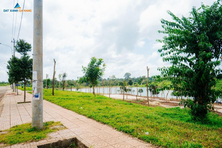 BĐS Buôn Hồ, Đăk Lăk, mua đất giá chạm đáy thị trường, giá chỉ 3.8 triệu/m2, góc ngã 4 ảnh 0
