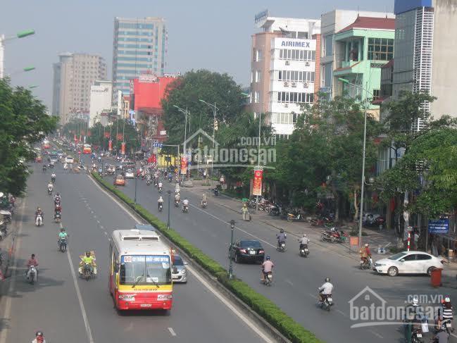 Hàng hot! Bán gấp nhà mặt phố Nguyễn Văn Cừ, 7 tầng, thang máy xịn, kinh doanh tốt