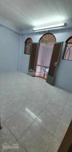 Cho thuê nhà 1 trệt 1 lửng 1 lầu Nguyễn Trãi, phường 2, Quận 5, khu an ninh chỉ 12tr/tháng