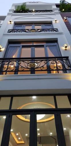 Cho thuê nhà mặt tiền Quận 3, Phường 5, đường Võ Văn Tần, 4,5x18m, T + lửng + 3L, 100 tr/th