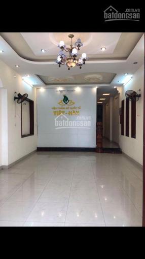Cho thuê nhà 3 tầng mặt tiền Lê Thanh Nghị, 95m2, 6 phòng ngủ ngay gần chợ Hòa Cường