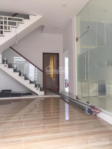 Bán nhà đường Tô Hiệu, DT: 8.2m x 11m, 1 lầu, sổ hồng riêng. Gía: 12 tỷ