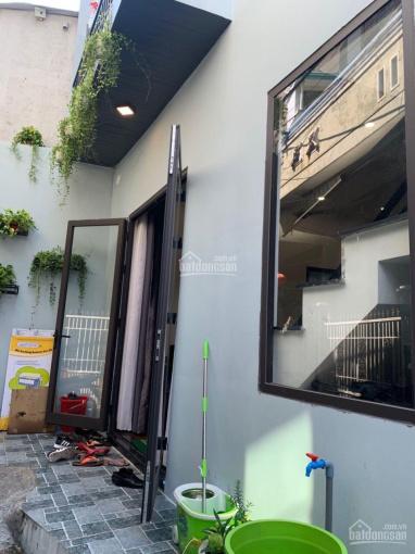 Bán nhà 2 tầng kiệt Trần Cao Vân. Cách đường 70m