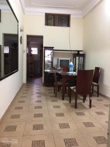 Cho thuê nhà riêng 50m2 x 4 tầng 4 phòng ngủ thoáng mát sạch sẽ ngõ thông phố Đội Cấn giá 8 triệu