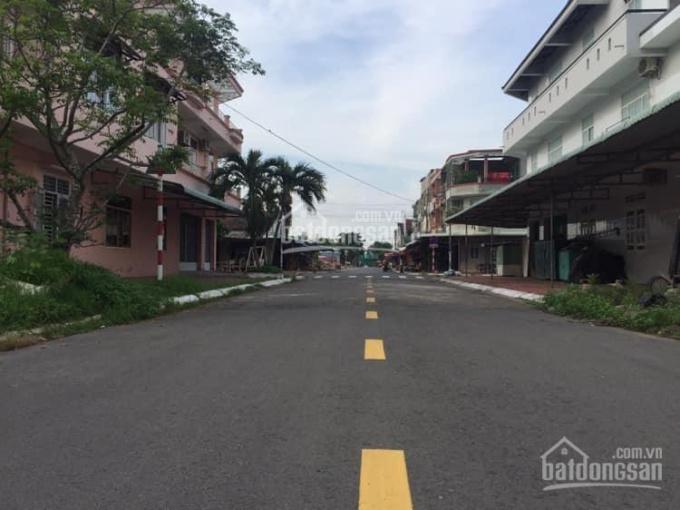 Bán lô đất ngay chợ mới thị trấn Long Điền, DT: 10x27.8m. LH 0938 3456 68