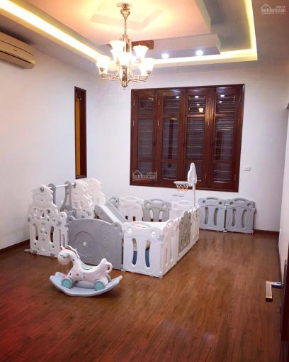 Bán biệt thự BT5, trục chính để kinh doanh, hoàn thiện rồi tại Việt Hưng. 0936213266