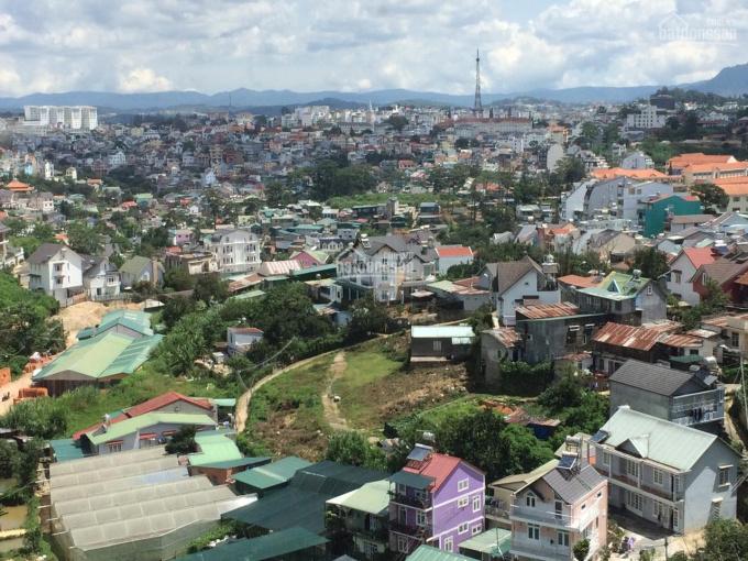 Bán 3 căn biệt thự cực đẹp 1 trệt, 1 lầu, 1 áp mái view siêu đẹp nhìn toàn cảnh thành phố Đà Lạt