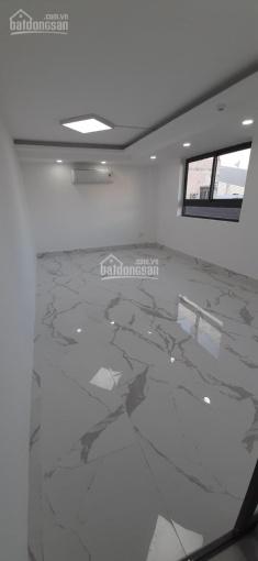 Cho thuê văn phòng 25m2 giá rẻ, MT Trường Sơn, Q. Tân Bình, 8 triệu/tháng. LH: 093 200 7974