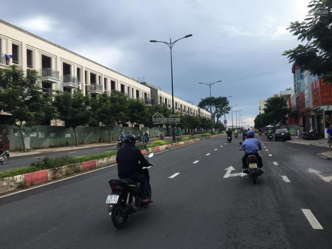 Bán nhà mặt tiền Kinh Doanh Lê Văn Việt, sát ShopHouse TTTM Quận 9, DT 148m2 giá 18 tỷ