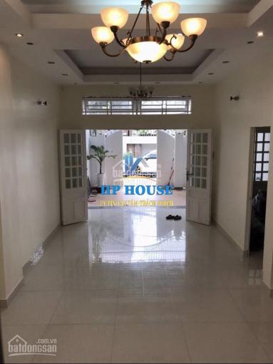 Nhà cho thuê khu sân bay giá chỉ 30tr/tháng, DT: 7x20m, trệt, 2 lầu đường Yên Thế, Q.Tân Bình