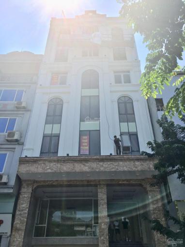 Bán nhà mặt phố Nguyễn Xiển, nhà 2 mặt phố, 44.3 tỷ  chính chủ 170m2 - 8 tầng