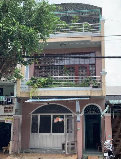 Bán nhà mặt tiền 2 căn thông nhau ngay trung tâm thành phố, LH: 0939000025 chị Mai ảnh 0