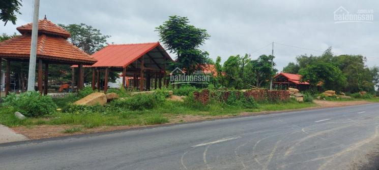 Mặt tiền đường Hùng Vương, trung tâm thị xã La Gi, đất đối diện cổng dinh Thầy Thím ảnh 0