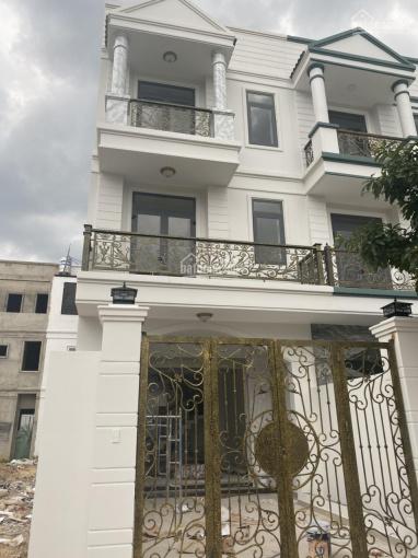 Nhà 1 trệt 2 lầu, dg D4 - KDC Phúc Đạt, DT 100m2, sàn 300m2, 4PN, đối diện chung cư, giá 5,85 tỷ ảnh 0
