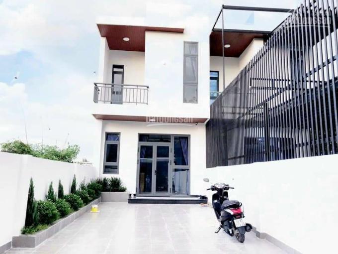Nhà trệt lầu tặng full nội thất DX041, gần Phạm Ngọc Thạch, nhựa thông, sân 2 ô tô giá 3.35 tỷ TL ảnh 0