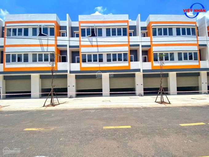 Bán cặp 2 căn nhà phố mặt tiền kinh doanh, 1 trệt 2 lầu nổi bật nhất khu đô thị Oasis City ảnh 0