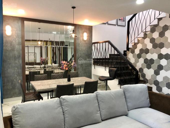 Trần Thiềm - Cập nhật căn duplex 2 phòng ngủ đang bán giá tốt nhất Vista Verde. Liên hệ 0919991266