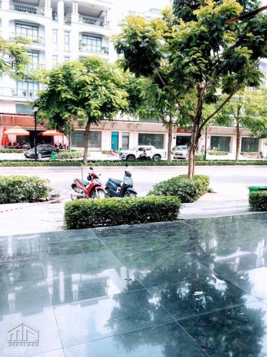 Cho thuê 3 tầng mặt tiền shophouse làm văn phòng DTSD: 200m2 trong KDC Vạn Phúc City Thủ Đức ảnh 0