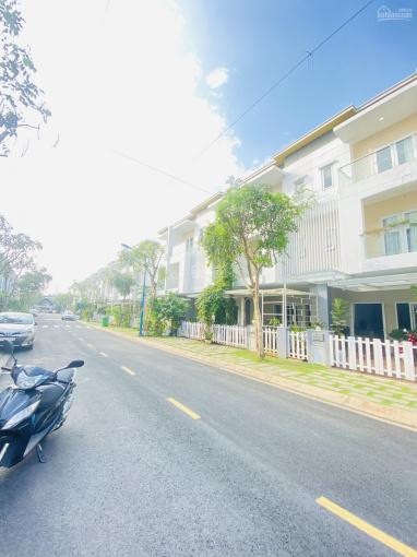 Nhà nguyên căn Melosa Khang Điền, nội thất đầy đủ, 1 trệt 2 lầu, có gara ô tô riêng + hồ bơi ảnh 0