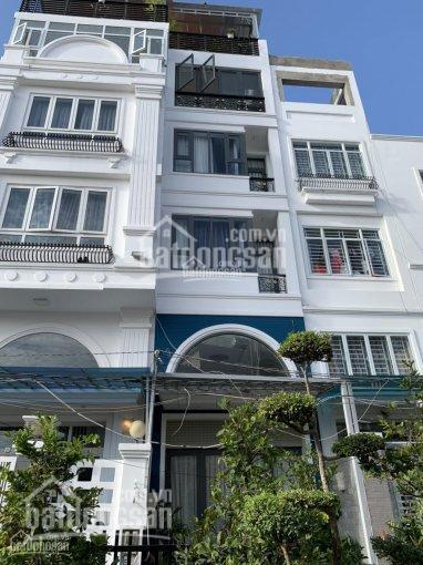 Nhà mặt tiền sát căn góc với Hoàng Diệu, Quận 4, nhà 6 tầng DT: 4x18m. Giá: 18 tỷ, LH 0931661777 ảnh 0