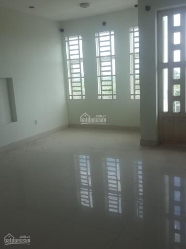 Nhà cho thuê MT Tạo Lực 1, Phú Mỹ, Thủ Dầu Một, 1 trệt 2 lầu, 5PN, TD sàn 320m2. Giá 15 triệu/th