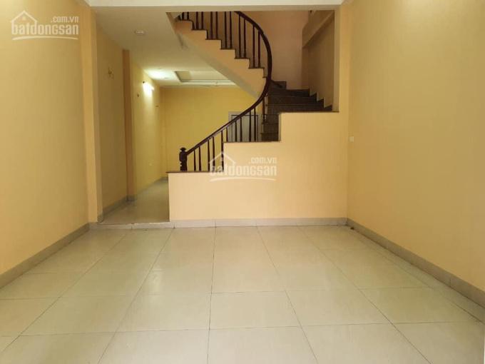 Cho thuê nhà ngõ phố Nguyễn Chí Thanh 45m2, 4 tầng ô tô đỗ cửa nhà sạch sẽ 13 triệu/tháng ảnh 0