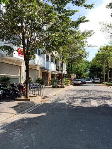 Cho thuê nhà phố kinh doanh Him Lam Phú Đông, 1 trệt 3 lầu, giá rẻ 25tr/1 tháng