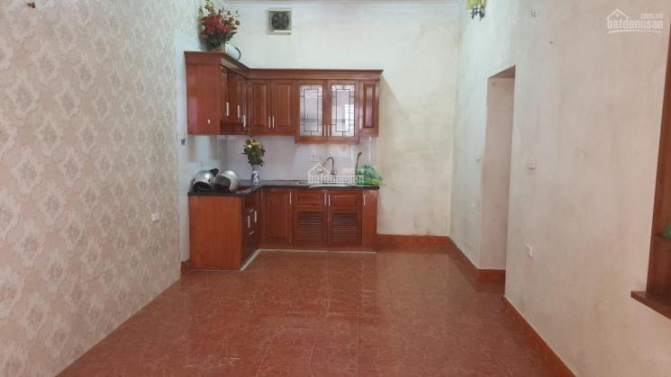 Cho thuê nhà ngõ 12 Lương Khánh Thiện, 40m2 - 3 tầng - Nội thất cơ bản: điều hòa, tủ lạnh, bếp từ ảnh 0
