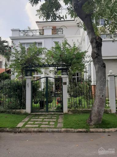 Cần bán nhanh trong tháng biệt thự đơn lập Mỹ Phú, 326m2, nội thất cao cấp, giá: 38 tỷ LH Mr Tuấn ảnh 0