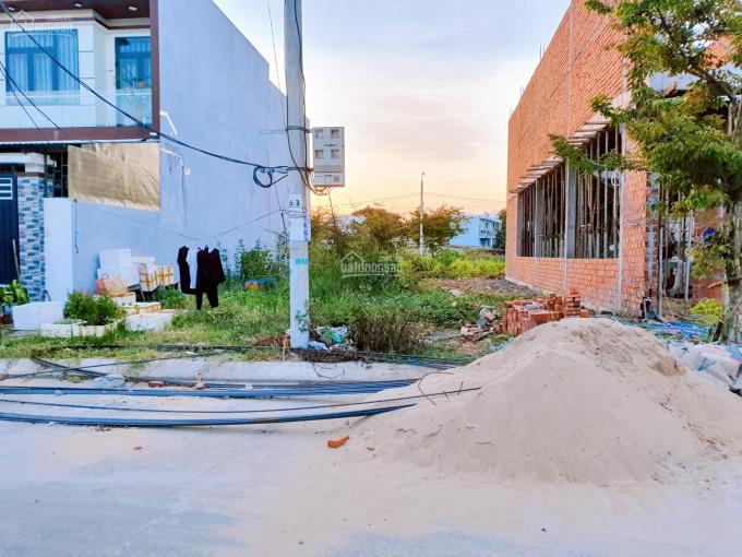Cho thuê lô đất 2 mặt tiền đường 7m5 Bàu Mạc 19 thuận lợi ở và kinh doanh. LH: 0902200789