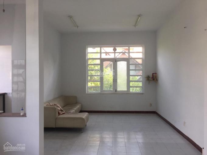 Cho thuê gấp nhà đường Yên Thế Tân Bình 8x15m, 3 tấm ảnh 0
