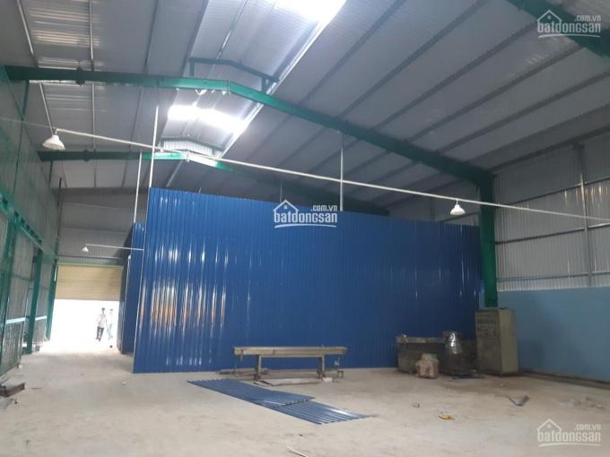 Cho thuê xưởng mới xây tại Bình Chánh, DT 1073m2, giá: 35 triệu, mặt tiền đường xe công