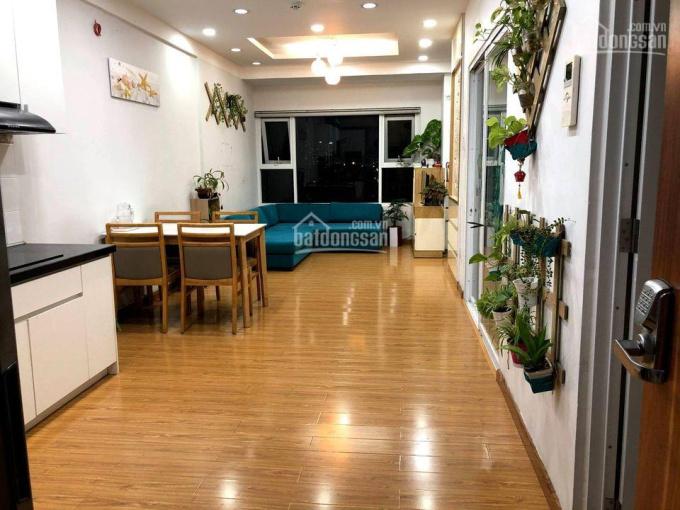 Cần thuê căn hộ Flora Fuji 55m2 nhà nội thất cơ bản giá 6tr quay đầu, tháng 1 vào ở. LH: 0819327347