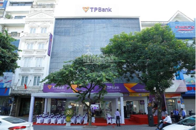 Tòa nhà mặt phố Nguyễn Khánh Toàn, Cầu Giấy 305m2, mặt tiền 17m. Cho thuê 600tr/tháng ảnh 0
